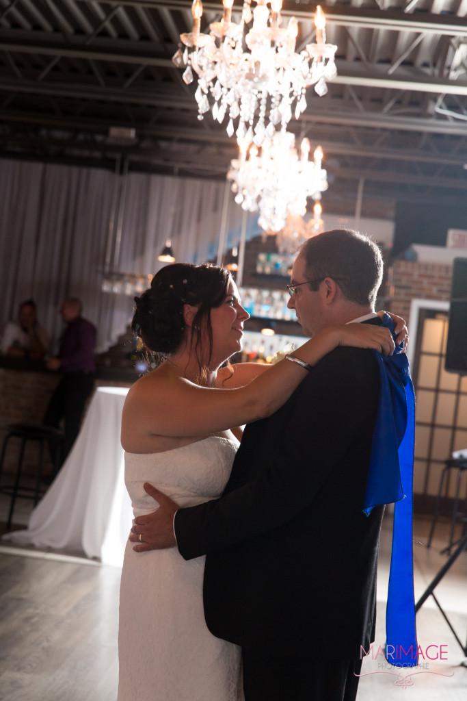 premiere danse first dance photographe-mariage Louis-Philippe Traiteur