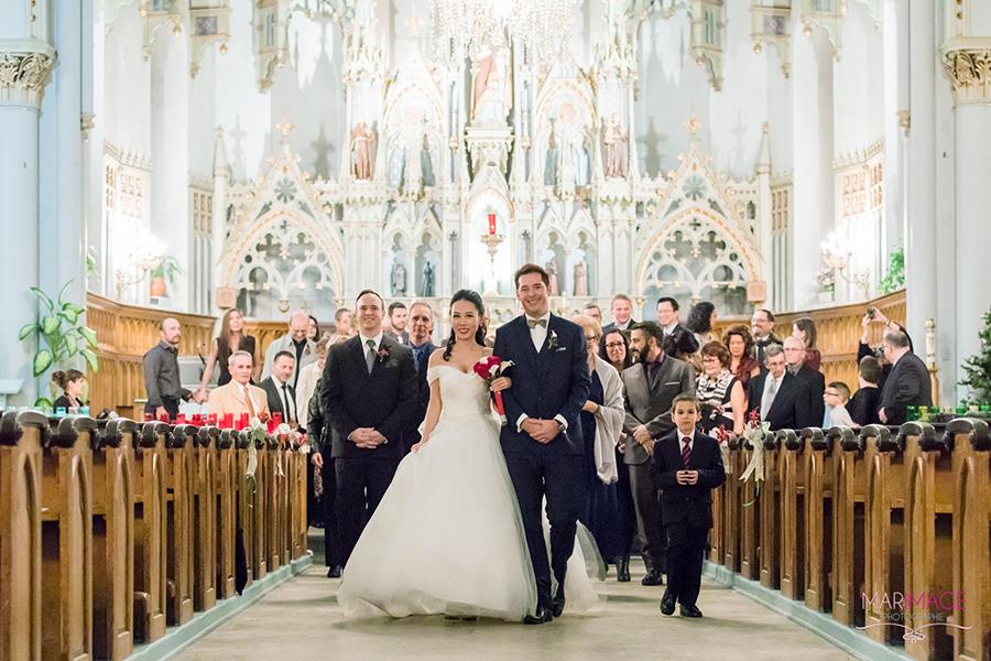 Photographe-mariage-marche-eglise