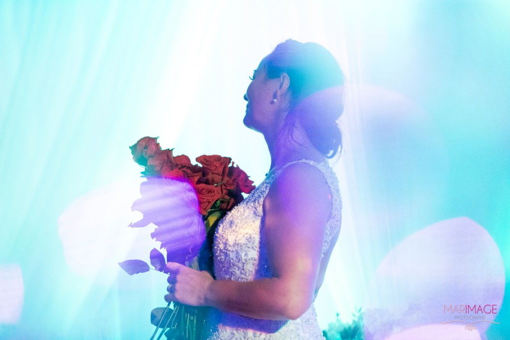Photographe Mariage Beloeil fleurs roses mariée